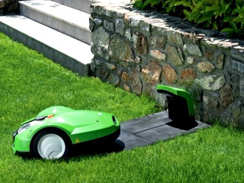 sekačka na trávník