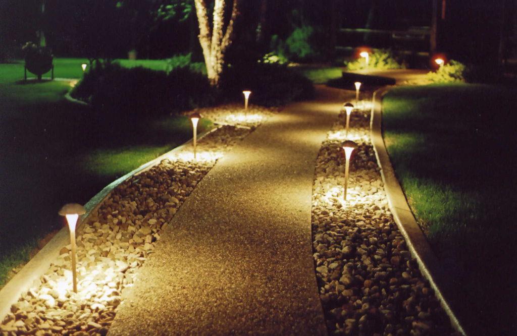 Osvětlení příjezdové cesty